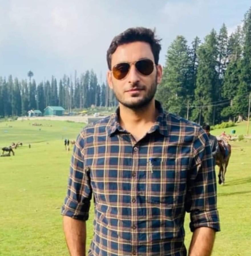 अर्शीद उत्तरी कश्मीर के कुपवाड़ा जिले के रहने वाले थे।