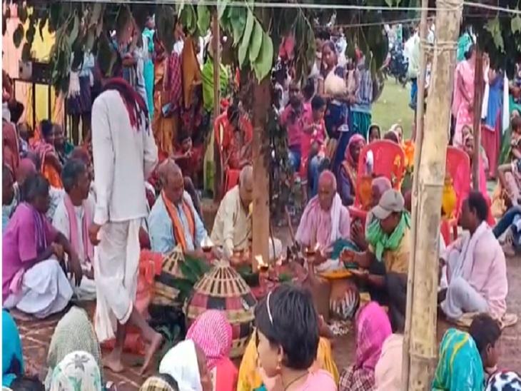 वैदिक रीति-रिवाज से हुई शादी।