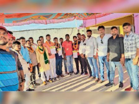 राजद डीएसएस की बैठक में शामिल लोग। - Dainik Bhaskar