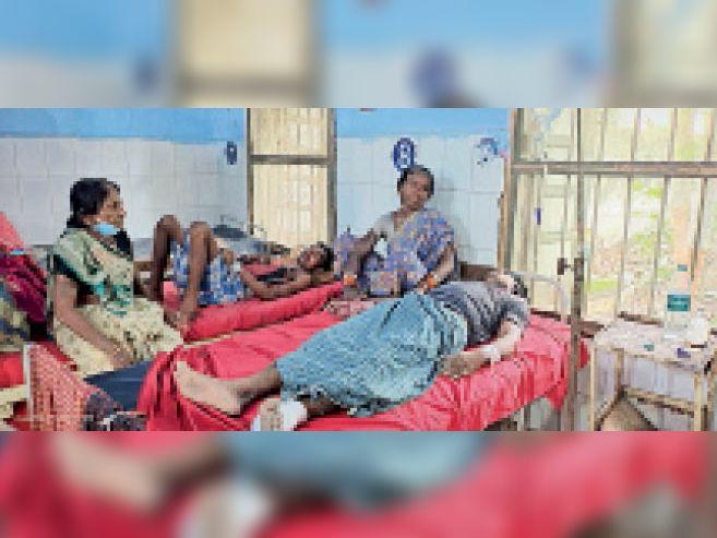 सदर अस्पताल में इलाजरत मरीज। - Dainik Bhaskar