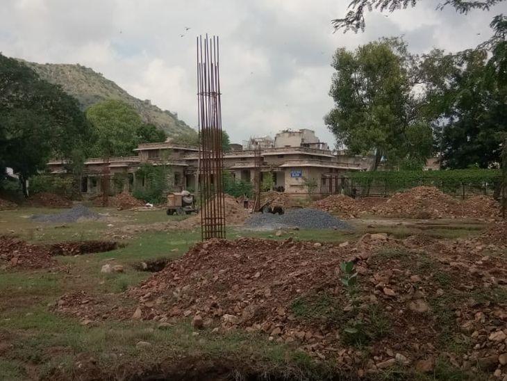 इंडोर स्पोर्ट्स हॉल बनेगा; कॉलम्स एवं फुटिंग का कार्य आरंभ, 1.38 करोड़ की लागत से होगा निर्माण अजमेर,Ajmer - Dainik Bhaskar