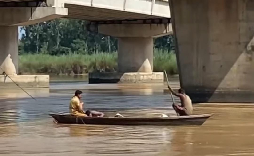 गणपति विसर्जन करने आए किश्ती चालकों ने बचाई जान, बोला- मां-बाप की मौत के बाद अकेलेपन से था परेशान; दोबारा नहीं उठाऊंगा ऐसा कदम|अमृतसर,Amritsar - Dainik Bhaskar