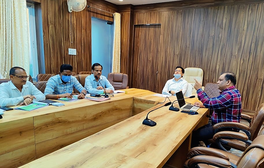 इंदौर की तर्ज पर कानपुर में शुरू होगी व्यवस्था, मौके पर कंपोस्ट वैन में 8 से 10 घंटे में बनेगी खाद, मंडियों में नहीं फैलेगा कचरा|कानपुर,Kanpur - Dainik Bhaskar