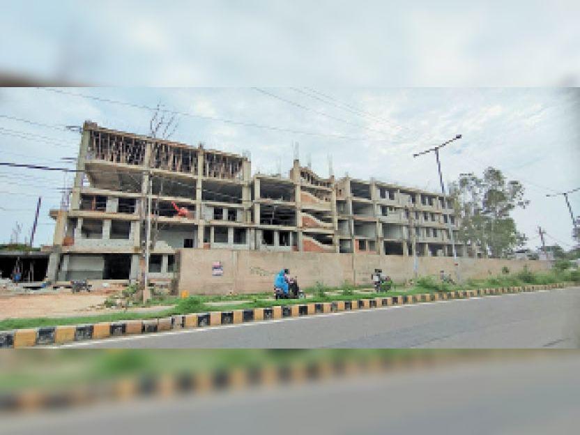 अम्बाला   सिटी सिविल अस्पताल में बन रहा मेटरनिटी विंग का भवन। - Dainik Bhaskar
