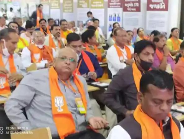 भूपेंद्र पटेल अहमदाबाद जिले की घाटलोडिया सीट से विधायक हैं।