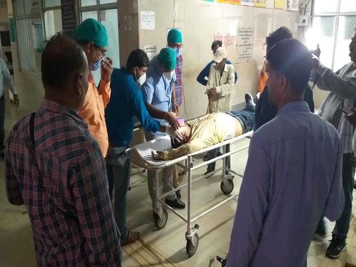 बदमाश दीपक वर्मा को अस्पताल ले जाया गया।