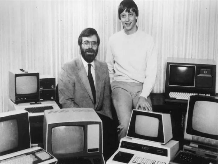 माइक्रोसॉफ्ट के फाउंडर बिल गेट्स और को-फाउंडर पॉल एलन।