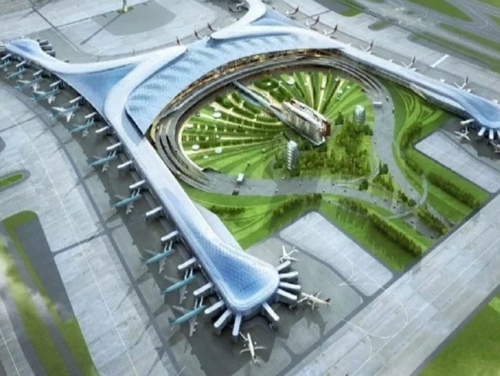 एयरपोर्ट वर्ल्ड क्लास का होगा। बताया जा रहा है कि ये एशिया का सबसे बड़ा एयरपोर्ट होगा।