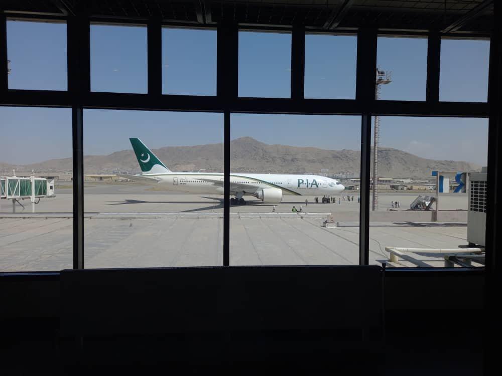 15 अगस्त के बाद अफगानिस्तान में सभी कमर्शियल फ्लाइट कंपनियों ने ऑपरेट करना बंद कर दिया।
