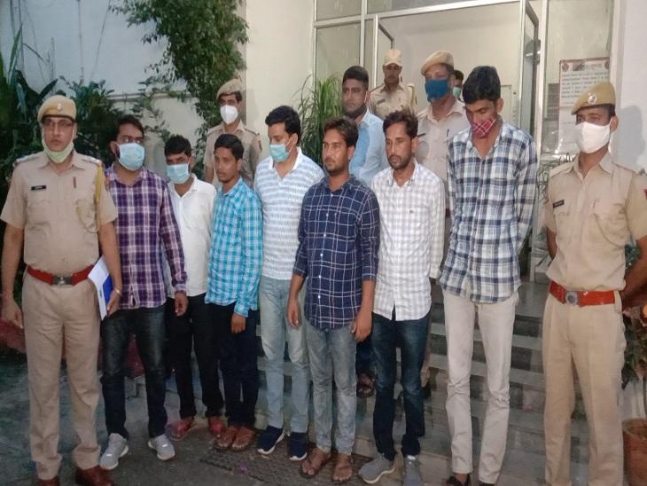 जयपुर में एसआई परीक्षा देने पहुंचे 7 फर्जी अभ्यर्थी, एक लाख रुपए और मोबाइल जब्त; कितने में डील हुई, पुलिस को पता नहीं|जयपुर,Jaipur - Dainik Bhaskar