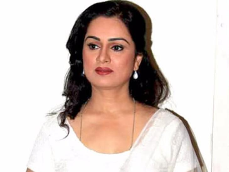 लताजी मेरी बुआ हैं, बचपन में उनके साथ गाने भी गा चुकी हूं- पद्मिनी कोल्हापुरे|बॉलीवुड,Entertainment - Dainik Bhaskar