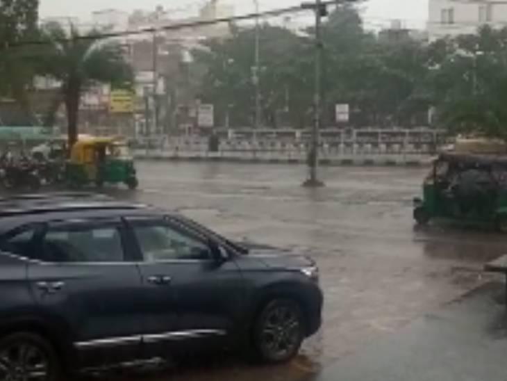 इंदौर में तेज बारिश।