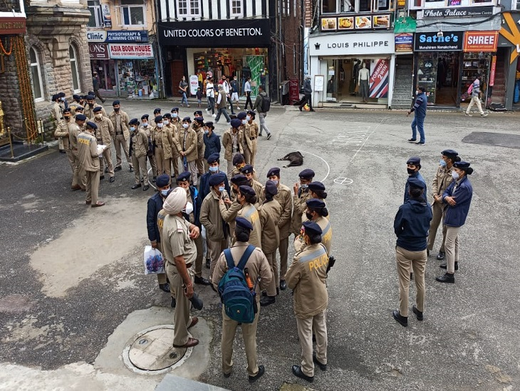 राष्ट्रपति दौरे को लेकर शिमला में तैयारियां करती पुलिस टीम।