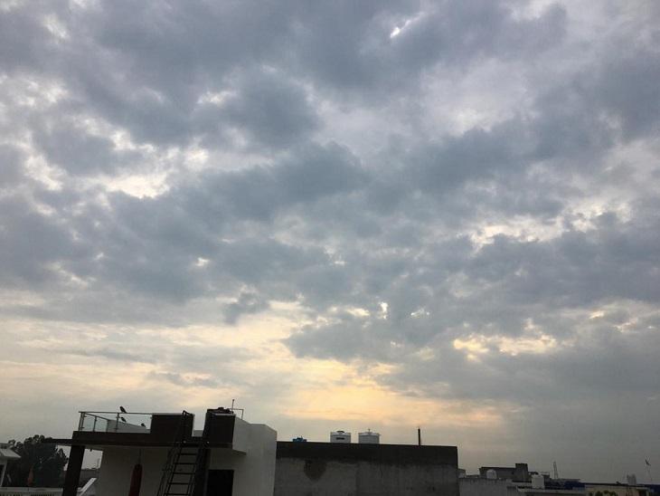 सुबह बादल छाने के बाद झमाझम बरसे बदरा, मंगलवार तक बारिश होते रहने के आसार; देहात में लगातार बारिश से धान और सब्जी की फसल हो रही खराब|पानीपत,Panipat - Dainik Bhaskar