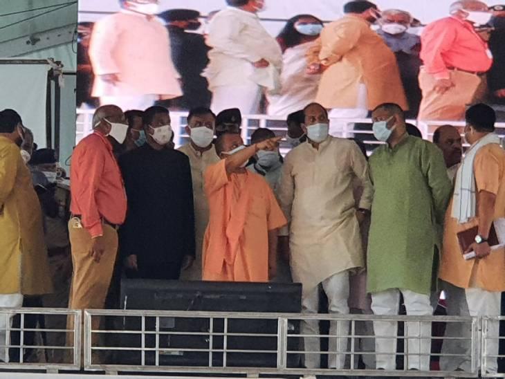 जाट राजा महेंद्र प्रताप यूनिवर्सिटी में तैयारियों को परखा; इको फ्रेंडली होगा पंडाल, पीने को मिलेगा मटके का ठंडा पानी|अलीगढ़,Aligarh - Dainik Bhaskar