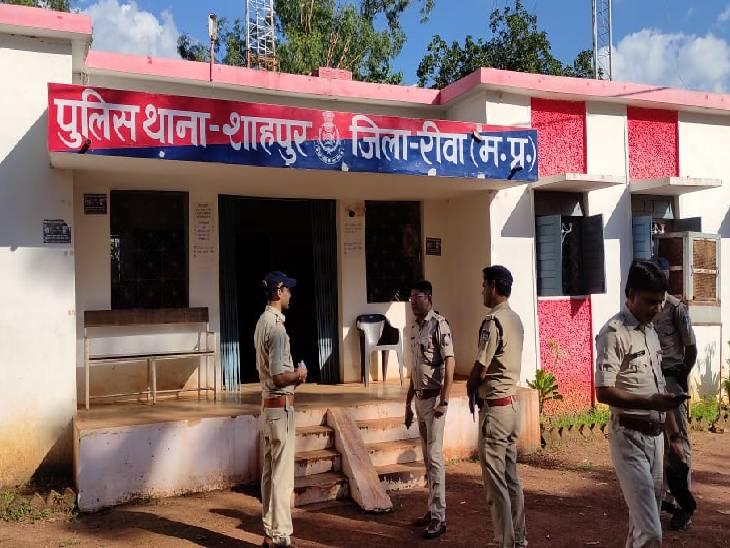 रीवा जिले के नवागत SP ने किया मऊगंज और मनगवां अनुभाग के थानों का निरीक्षण, प्रभारियों को दिए नशे के सौदागरों पर नजर रखने के निर्देश|रीवा,Rewa - Dainik Bhaskar