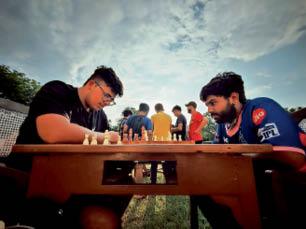 पिलानी. शतरंज खेलते खिलाड़ी। - Dainik Bhaskar