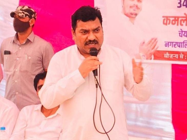 सोलंकी ने चुनाव पर्यवेक्षक गोविंद राम मेघवाल पर क्रॉस वोटिंग करवाने और उन्हें बदनाम करने की साजिश करने का आरोप लगाया है। - Dainik Bhaskar