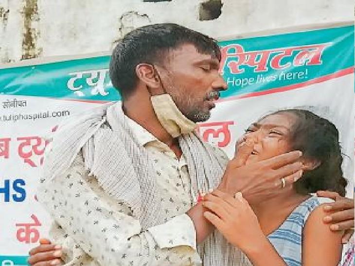 सोनीपत   अपने चाचा नरेश और कप्तान से लिपटकर पिंकी बिलख-बिलखकर रोई। - Dainik Bhaskar