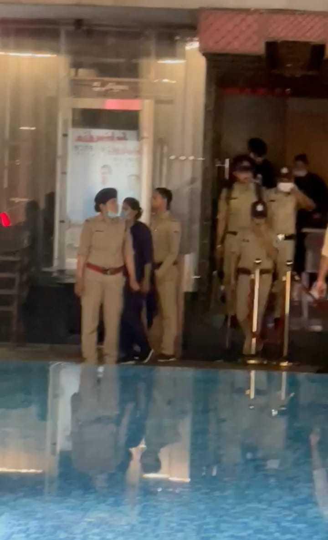 देर रात खुले रहते हैं पब, नहीं हो रहा कोराना गाइड लाइन का पालन, पुलिस ने विजयनगर, लसूड़िया में समझाइश देकर बंद कराए|इंदौर,Indore - Dainik Bhaskar