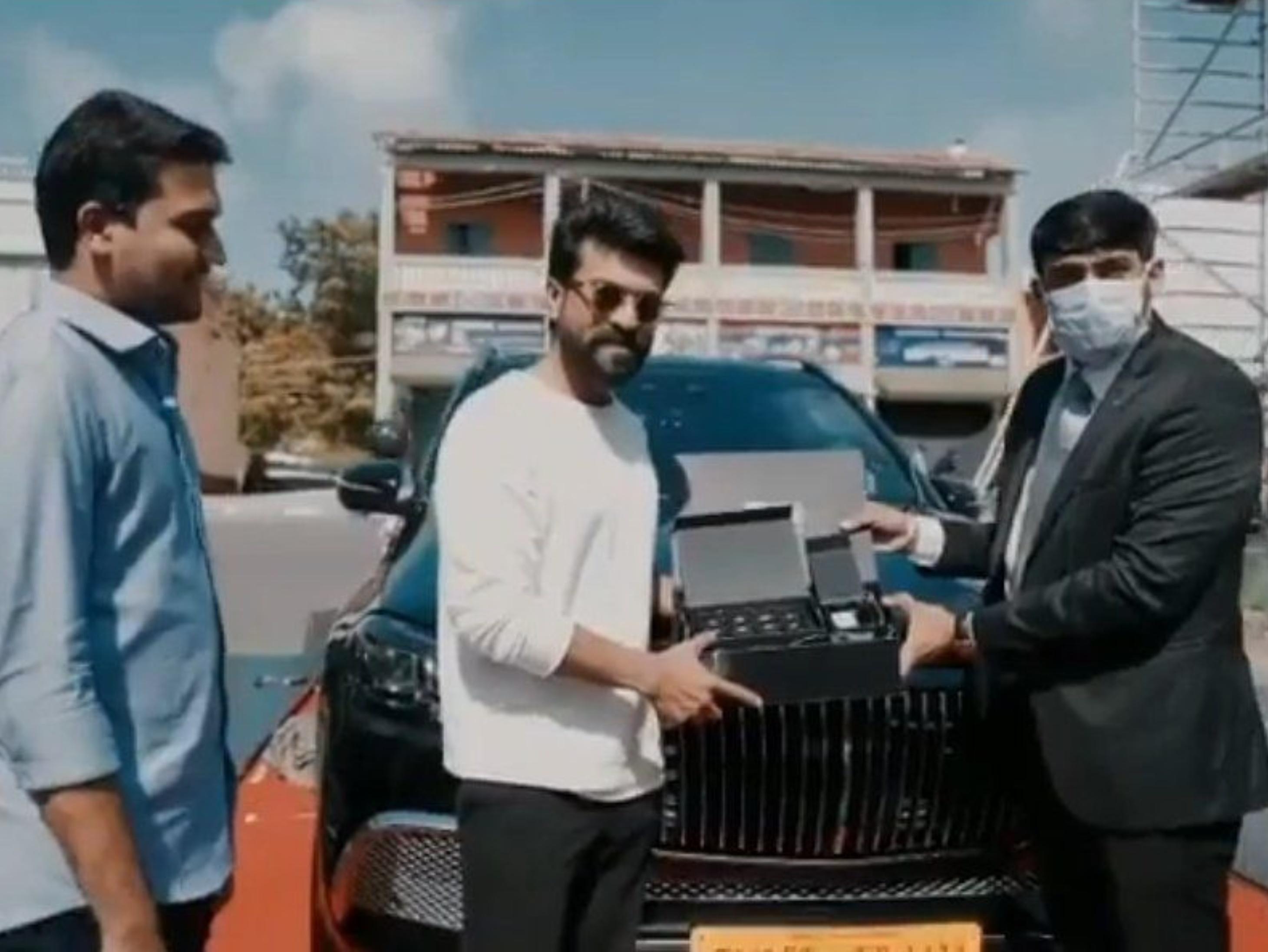 राम चरण ने खरीदी देश की पहली कस्टमाइज मर्सिडीज-बेंज मेबैक GLS600, इसकी कीमत 4 करोड़ रुपए है|बॉलीवुड,Entertainment - Dainik Bhaskar