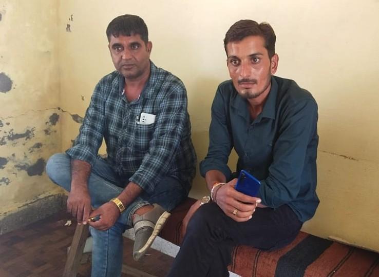 एक दिन पहले कृषि बिलों का विरोध कर रहे किसानों ने बंद करवाया था टोल प्लाजा; टोल मैनेजर की FIR पर हुई कार्रवाई|नागौर,Nagaur - Dainik Bhaskar