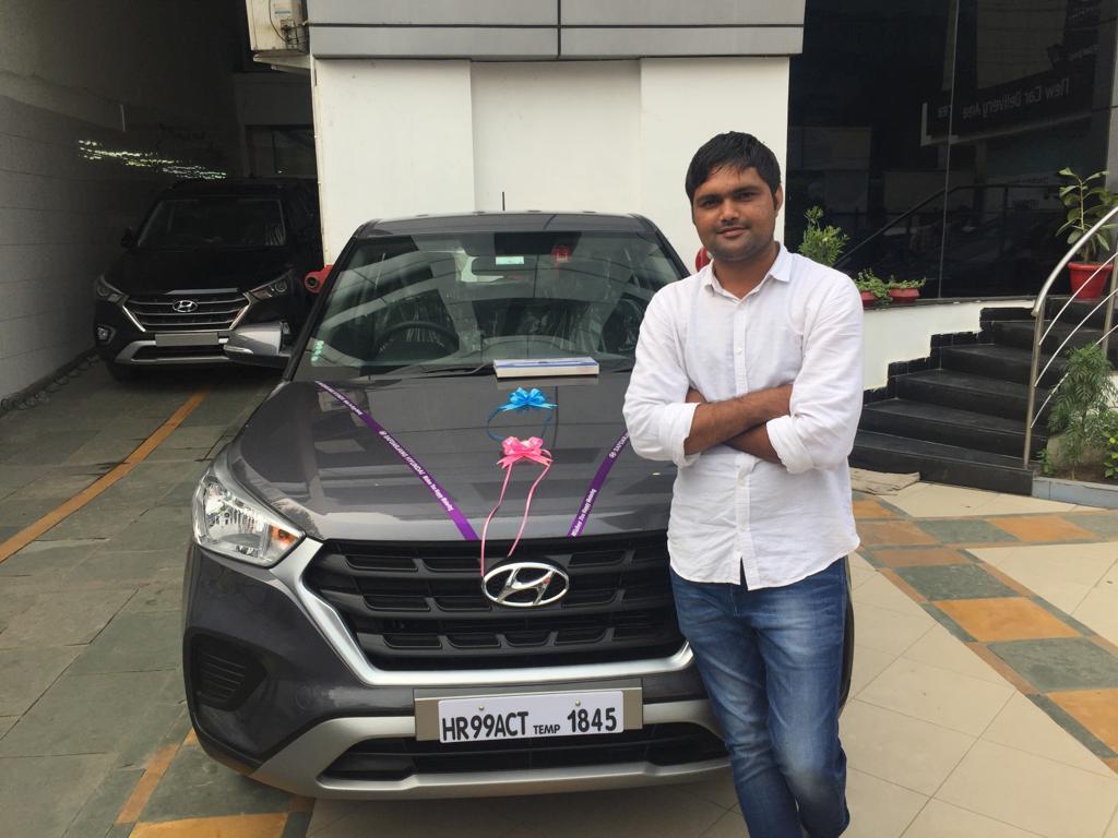 दिल्ली-जयपुर हाईवे पर मां-बेटे ने फ्रेश होने के लिए रोकी गाड़ी तो बदमाशों ने तान दी पिस्तौल; गाड़ी खड़ी देखकर रॉन्ग साइड से आए बदमाश रेवाड़ी,Rewari - Dainik Bhaskar