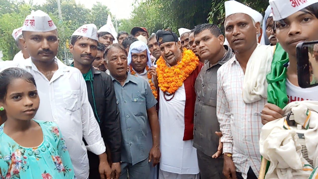 मेरठ में कमिश्नरी पार्क पर आरक्षण की मांग करने पहुंचे कश्यप समाज के पदाधिकारी व कार्यकर्ता - Dainik Bhaskar