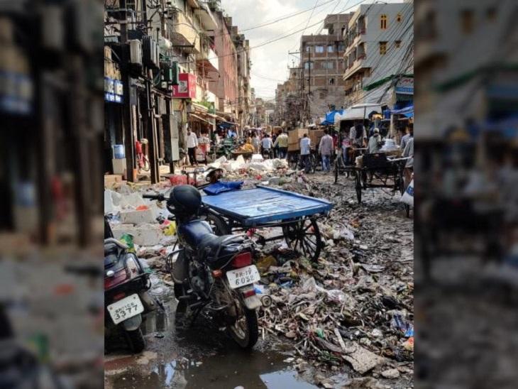 कचरे से बैक्टीरियल इंफेक्शन की चपेट में पटना, 6 दिन से पानी में मिलकर सड़ रहा कचरा; जानवर बन रहे संक्रमण के कैरियर|बिहार,Bihar - Dainik Bhaskar