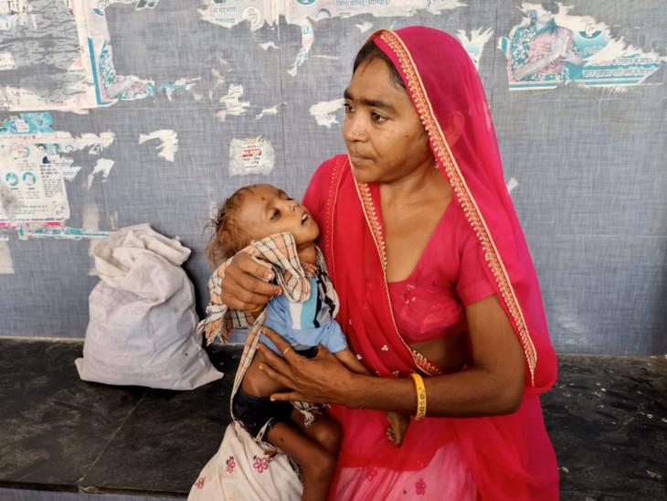 2 बेटियों की पहले ही हो चुकी मौत, आखिरी उम्मीद था बेटा, उसने रो-रोकर गोद में ही दम तोड़ दिया, इससे बड़ी सजा क्या होगी|भीलवाड़ा,Bhilwara - Dainik Bhaskar