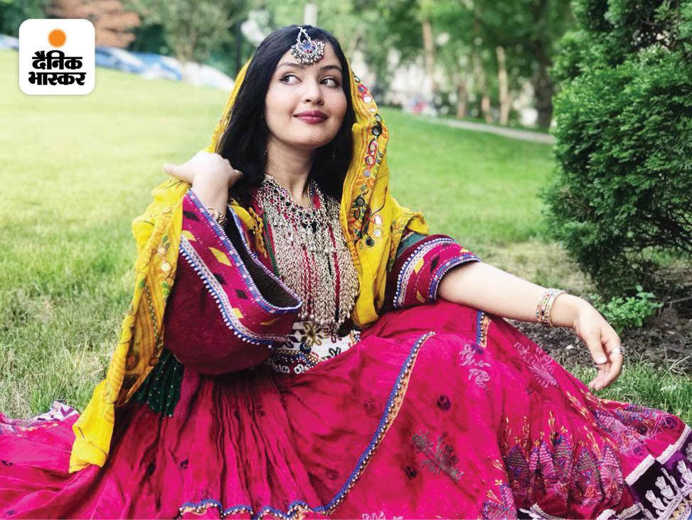एक अफगानी महिला ने लिखा- यह हमारी असली अफगानी पोशाक है। अफगानी महिलाएं ऐसे ही खुशरंग और सलीकेदार कपड़े पहनती हैं। काला बुर्का कभी हमारी तहजीब का हिस्सा नहीं रहा।