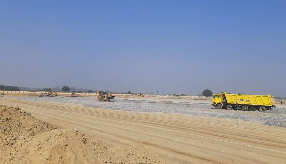 सितंबर में पूरा होना था निर्माण कार्य, शासन के निर्देश पर 3 महीने बढ़ाई गई डेडलाइन, प्रयागराज हाईवे से कनेक्ट होगा एयरपोर्ट|कानपुर,Kanpur - Dainik Bhaskar