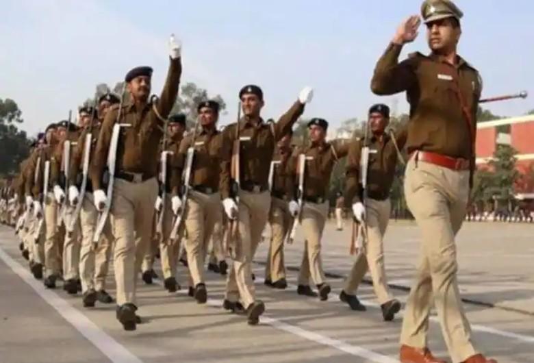 सब इंस्पेक्टर हरियाणा पुलिस, पंजाब पुलिस कांस्टेबल, थल सेना के टेरिटोरियल आर्मी ऑफिसर की परीक्षा एक ही दिन, युवाओं की प्रदेश सरकार से SI परीक्षा पोस्टपॉन की मांग|करनाल,Karnal - Dainik Bhaskar