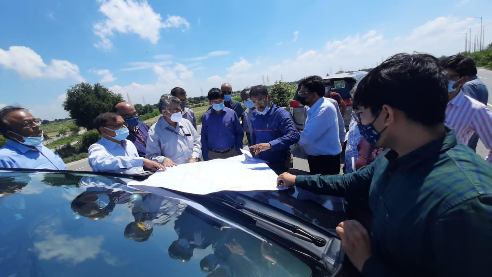इन्टीग्रेटेड प्लानिंग की ओर बढ़ा कदम, स्कूल ऑफ प्लानिंग एंड आर्किटेक्चर टीम ने किया अधिकारियों संग निरीक्षण|आगरा,Agra - Dainik Bhaskar