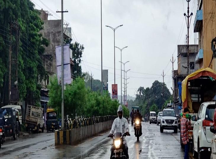 बस्तरसंभाग के पांच जिलों में होगीझमाझम बारिश,एक-दो स्थानों पर आकाशीय बिजली गिरने की भी संभावना|जगदलपुर,Jagdalpur - Dainik Bhaskar