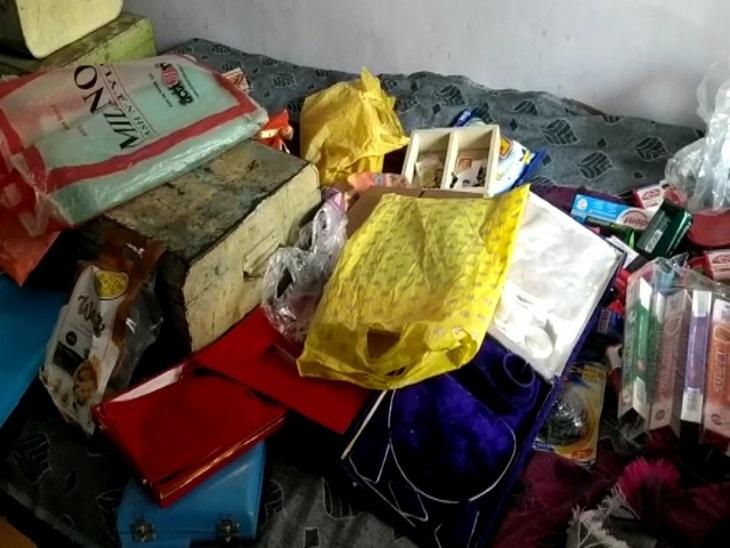 एक माह बाद बेटी की शादी है, 15 लाख के जेवर और नगदी ले भागे चोर, पड़ौस के घर से भी 2 लाख का माल पार|झुंझुनूं,Jhunjhunu - Dainik Bhaskar