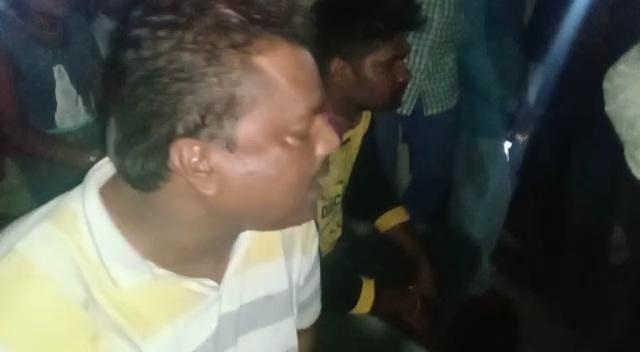 500-500 रु. के नकली नोट से खरीदे साबुन और तेल, ग्रामीणों ने पकड़कर पुलिस के हवाले किया|होशंगाबाद,Hoshangabad - Dainik Bhaskar