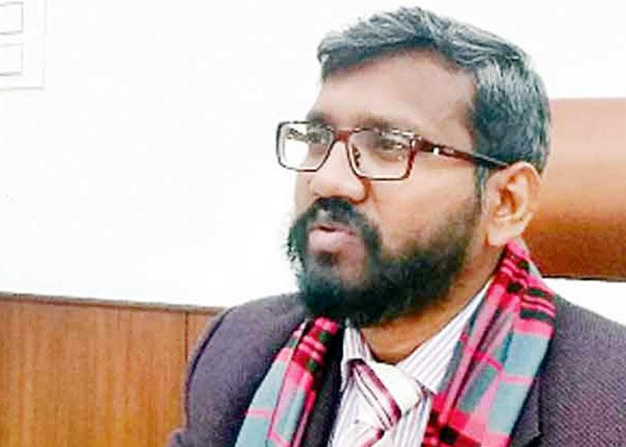 मुख्य चुनाव अधिकारी एस करुणा राजू पंजाब विधानसभा चुनावों की तैयारियों को लेकर जानकारी देते हुए।