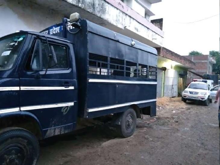 एटीएस की टीम की जांच पड़ताल में कई अहम सुराग लगने की बात सामने आ रही है। - Dainik Bhaskar