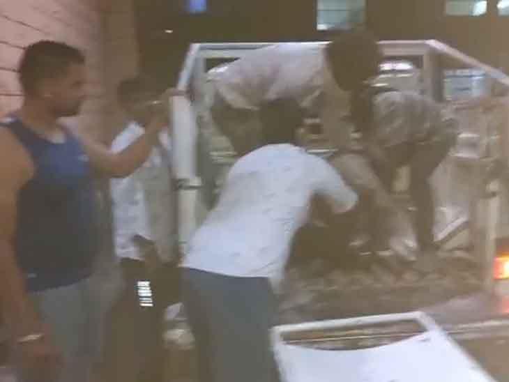 वेस्टेज पानी के टैंक के पास गए थे मजदूर, पांव फिसलने से हुआ हादसा; बचाने दूसरा कूदा, एक की मौत|जोधपुर,Jodhpur - Dainik Bhaskar