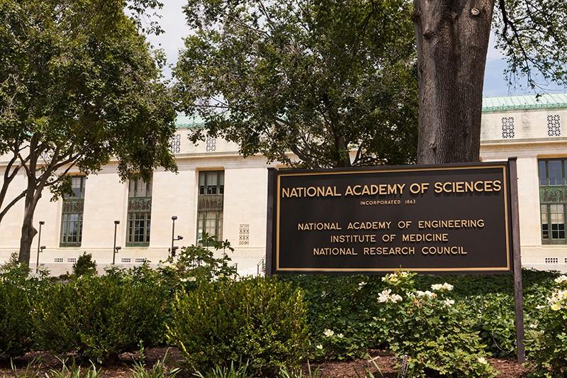 अमेरिका की नेशनल एकेडमी ऑफ साइंसेज ने स्टडी के बाद हवाना सिंड्रोम को माइक्रोवेव हमला बताया था।