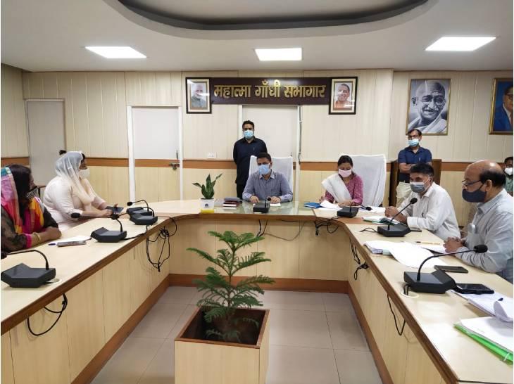 जर्जर अस्पतालों की जगह बनेंगे हेल्थ सब सेंटर, PHC में लैब के लिए खरीदी जाएंगी मशीनें; शासन को भेजा प्रस्ताव|गाजियाबाद,Ghaziabad - Dainik Bhaskar