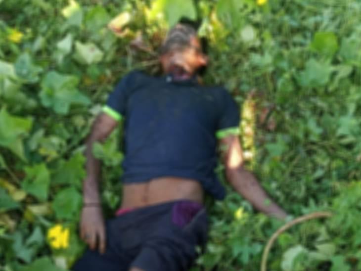 पुलिस मृतक की शिनाख्त के प्रयास कर रही है। - Dainik Bhaskar