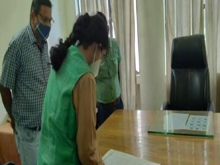 कानपुर देहात में सडीओ ने विकाज भवन का किया औचक निरीक्षण। - Dainik Bhaskar