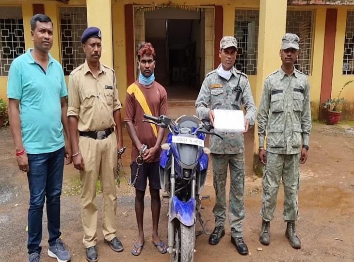 6 लोगों ने मिलकर लूटे थे 27 लाख के जेवरात; पुलिस ने एक और आरोपी को घर से आराम फरमाते पकड़ा|जगदलपुर,Jagdalpur - Dainik Bhaskar