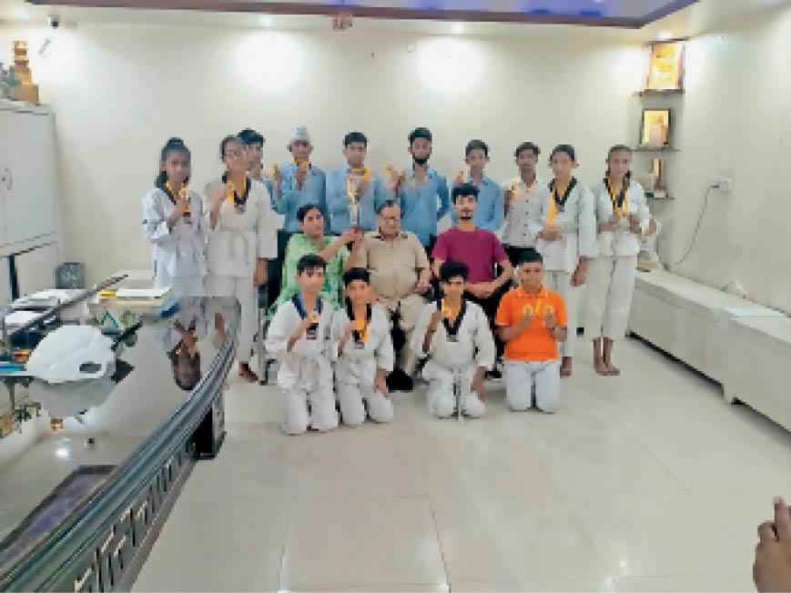 एसटी कॉन्वेंट स्कूल के खिलाड़ियों ने जीते पदक, जिले का नाम रोशन किया करनाल,Karnal - Dainik Bhaskar