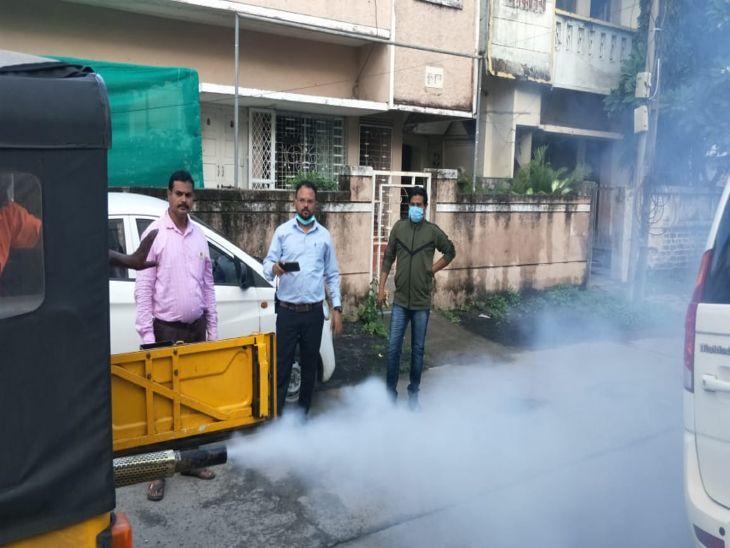 पानी जमाव व गंदगी वाले स्थानों पर अधिकारी छिड़काव कर देंगे जन जागरुकता का संदेश, लोगों से भी अपील|इंदौर,Indore - Dainik Bhaskar