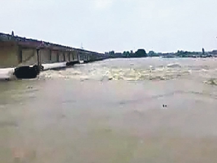 बिहार में फिलहाल 12 नदी बेसिन में 3790 किमी तटबंध, 40 लाख हेक्टेयर भूभाग बाढ़ से सुरक्षित। - Dainik Bhaskar