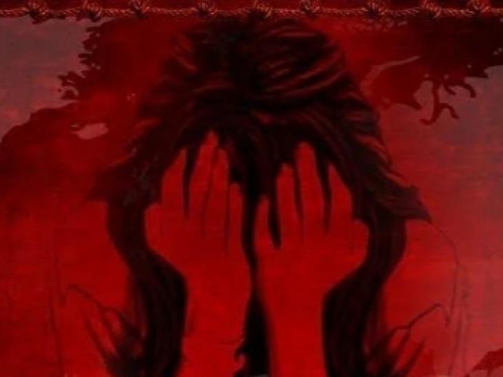 मुरादाबाद में 15 साल की लड़की के साथ घटना, दरोगा ने फाड़कर फेंकी पीड़ित की तहरीर, DIG से शिकायत के बाद लिखी FIR|मुरादाबाद,Moradabad - Dainik Bhaskar