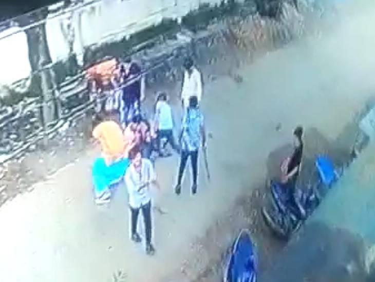 स्पा से बाहर निकला तो ग्राहक की जेब से गायब थे 15 हजार, पूछा तो यहीं के कर्मचारियों ने लात-घूंसों से पीट दिया, केस दर्ज|उज्जैन,Ujjain - Dainik Bhaskar